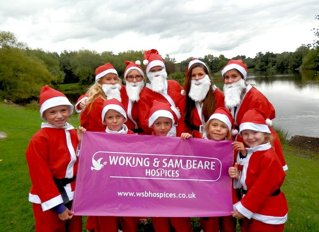 santa run woking & sam beare hospices.JPG