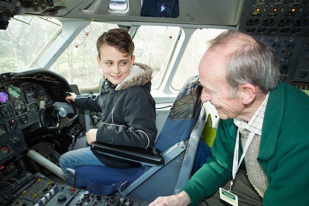 VC-10 cockpit copy.jpg
