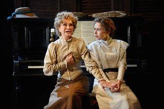 Felicity Kendal/Charlotte Bartlett Lauren Coe/Lucy Honeychurch