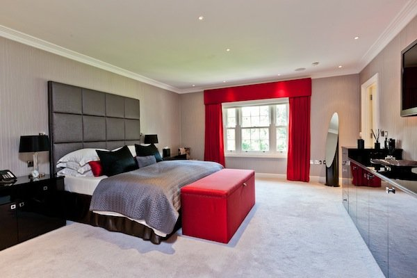 Horsley, Granville Road-bed.jpg