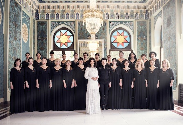 Katie-Melua-and-Choir-1 copyweb.jpeg