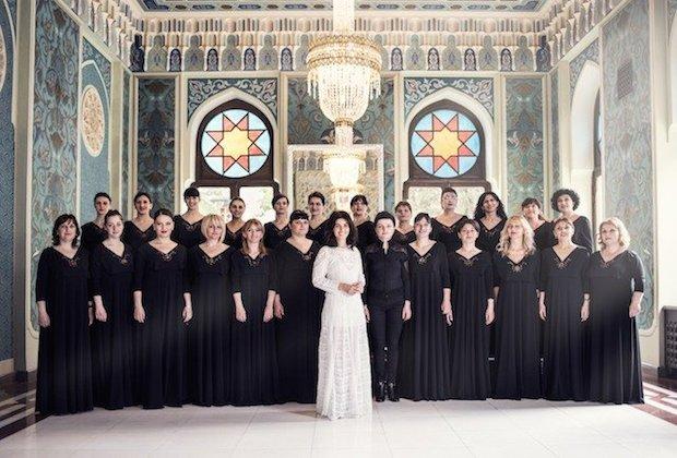 Katie-Melua-and-Choir-1 copyweb.jpeg