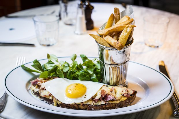 Croque Madame with Chips - The Ivy Cafe Richmond - Paul-Furness copy.jpg
